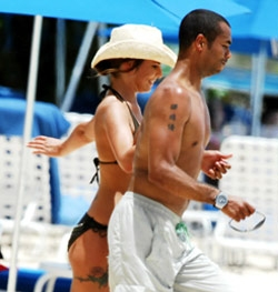 http://barbadosfreepress.files.wordpress.com/2007/06/cheryl-ashley-cole-barbados.jpg