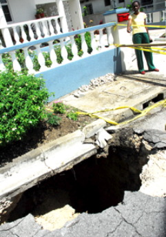 barbados-cave-in-road-disaster.jpg