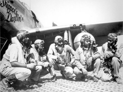 Tuskegee Airman , pilote afro américain  Tuskegee-airmen