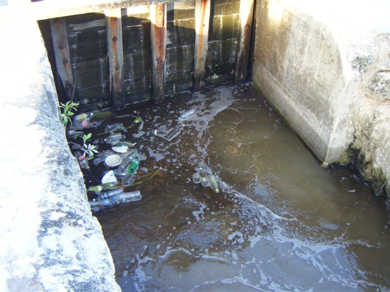 sewer gate the broken sluice gate the barbados government refuses to repair