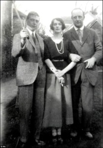 Edward VIII with Mistress, MRS Freda Dudley-Ward and friend, William Dudley-Ward (click for large)